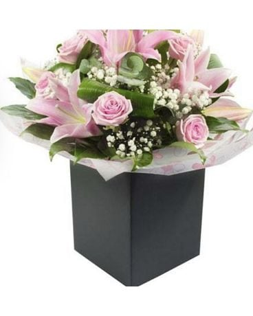 Pure and Elegant Flower Arrangement