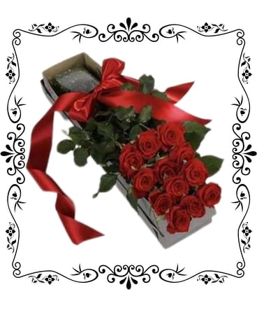 Classic Boxed Dozen Roses Flowers