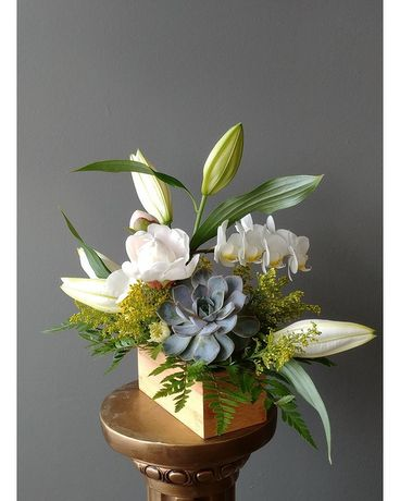 Elegant Day Flower Arrangement