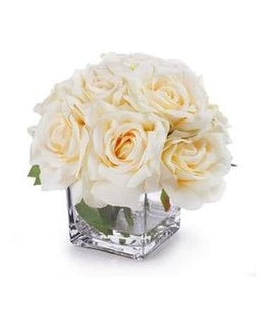 Open Rose Delight Flower Arrangement