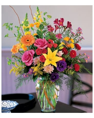 Classic Everyday Arrangement Flower Arrangement