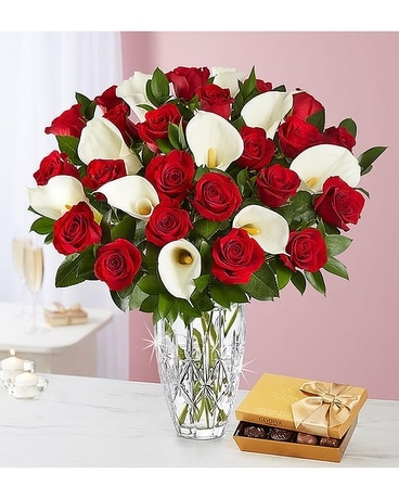 Luxurious Red Roses & Calla Lily Bouquet Flower Arrangement
