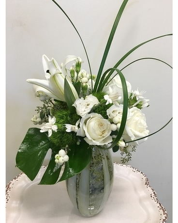 White Elegance Flower Arrangement