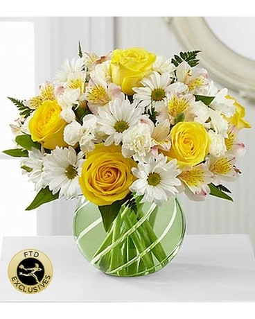 Fresh and Floral Flower Arrangement