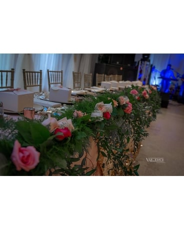 QUINCEANERO Wedding Arrangement