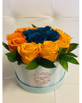 FOREVER ROSES Flower Arrangement