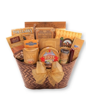 Gourmet Treat Basket standard