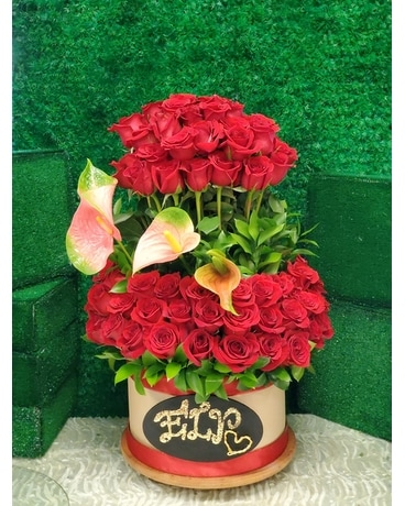 ROSES DELUXES Flower Arrangement