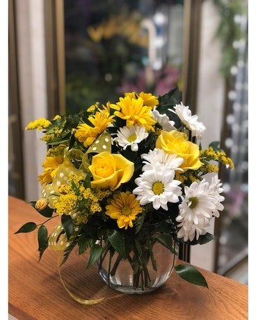 Daisies for Days Flower Arrangement
