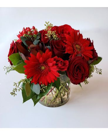 Citiflowers Scarlet Bouquet Flower Arrangement