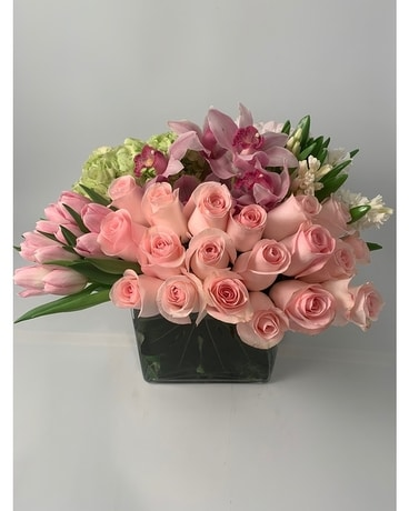 Luxury Urban Square Flower Arrangement
