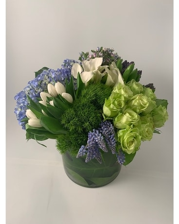 Luxury City Chic Flower Arrangement