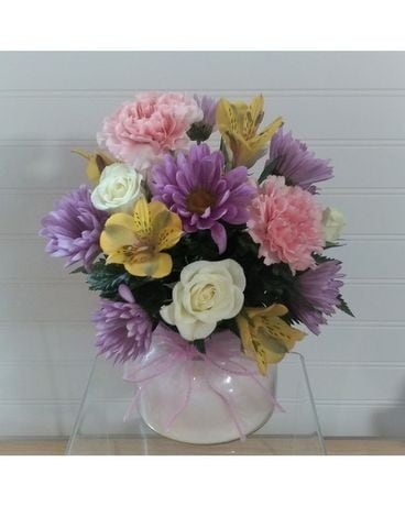 Soft Glow Flower Arrangement