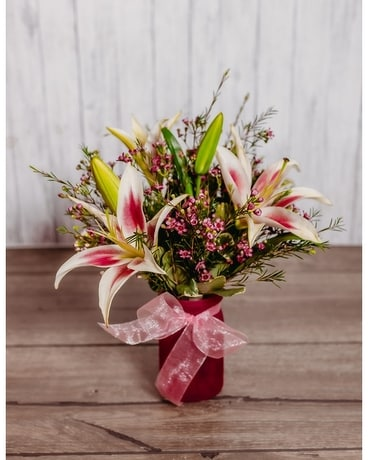 Blushing Cube Flower Arrangement