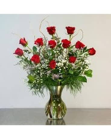 High Style Dozen Roses Flower Arrangement