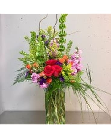 Modern & Memorable Flower Arrangement