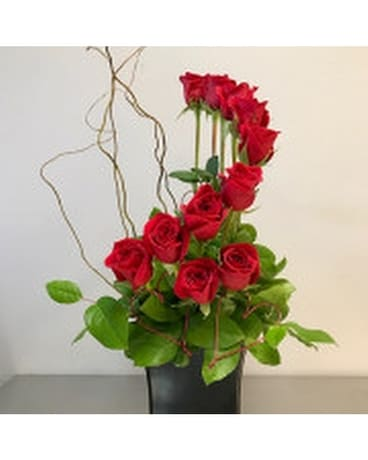 Contemporary Rose Dozen Flower Arrangement