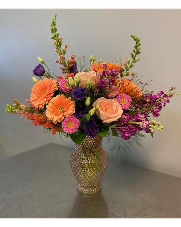 Exclusive Sweet Spring Vase Flower Arrangement