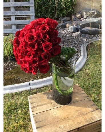 Roses Kissed in Red Flower Arrangement