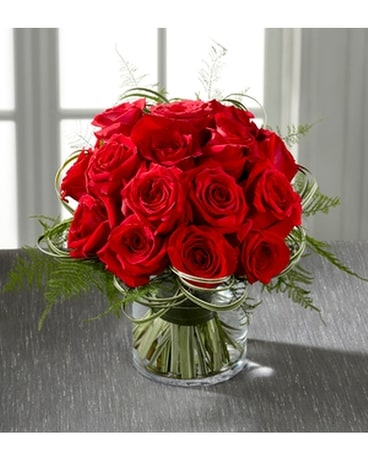 THE FTD® ABUNDANT ROSE™ BOUQUET Flower Arrangement
