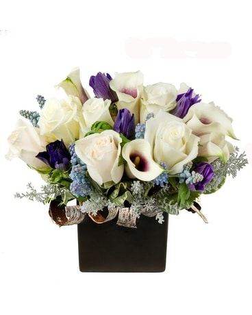2020 Winter Blues Flower Arrangement