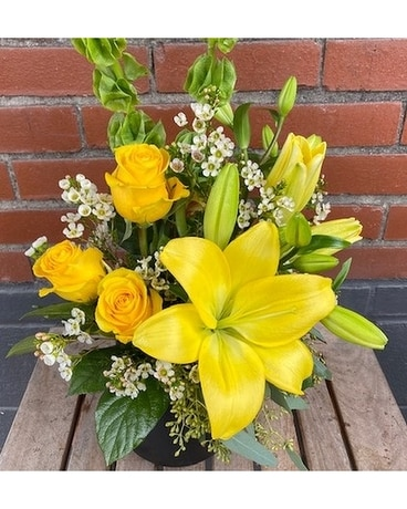 Sunshine Roses Flower Arrangement