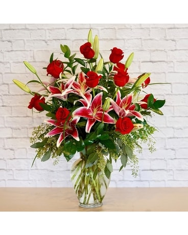 Hollywood Dozen Flower Arrangement