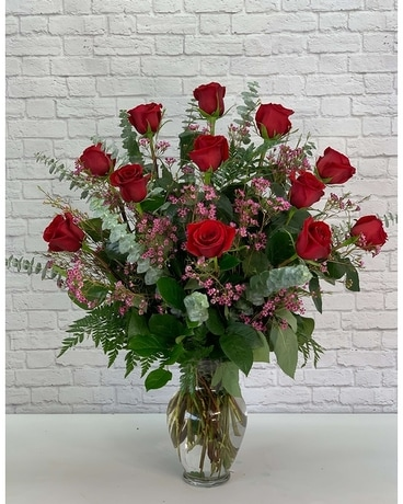 One Dozen Ultimate Red Roses Flower Arrangement