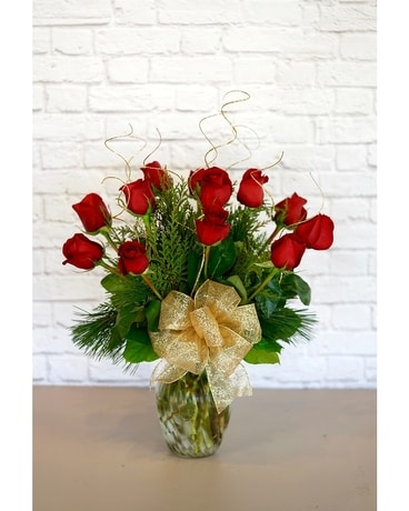 Christmas Classic Dozen Red Roses