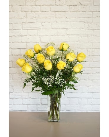 One Dozen Deluxe Yellow Roses Flower Arrangement