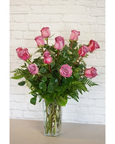 One Dozen Deluxe Lavender Roses Flower Arrangement