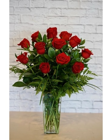 One Dozen Deluxe Red Roses Flower Arrangement