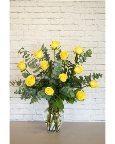 One Dozen Premium Yellow Roses Flower Arrangement