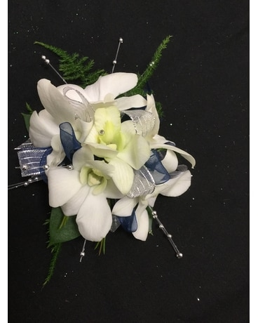 White and Blue Boutonniere Boutonniere