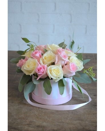 Princess Rose Box Flower Arrangement