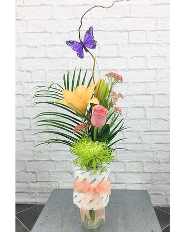 Rosy Cheeks Flower Arrangement