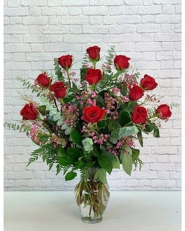 One Dozen Premium Red Roses Flower Arrangement