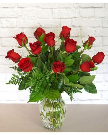 One Dozen Classic Red Roses Flower Arrangement