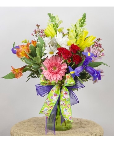 Pretty and Petite Flower Arrangement