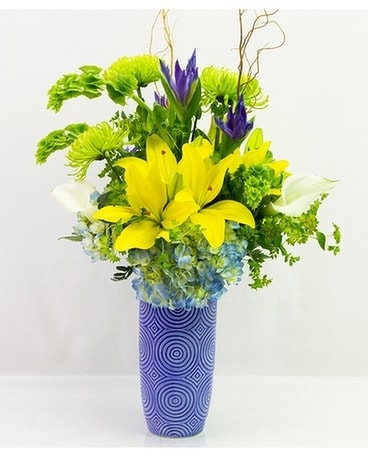 Fresh & Fun Flower Arrangement