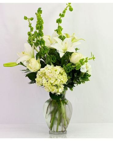 Fresh Green & White Bouquet Flower Arrangement