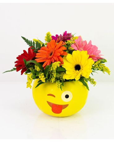 Flirtatious Daisies Flower Arrangement