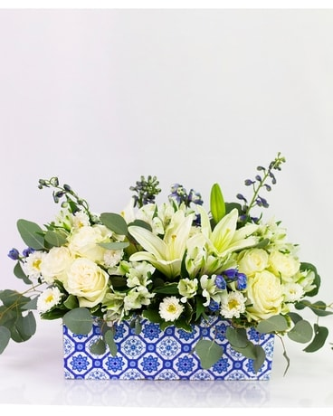 Classic Blue & White Flower Arrangement
