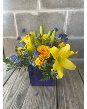 Spring Cobalt Flower Arrangement