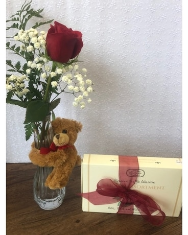 Beary Pretty and Sweet Flower Arrangement