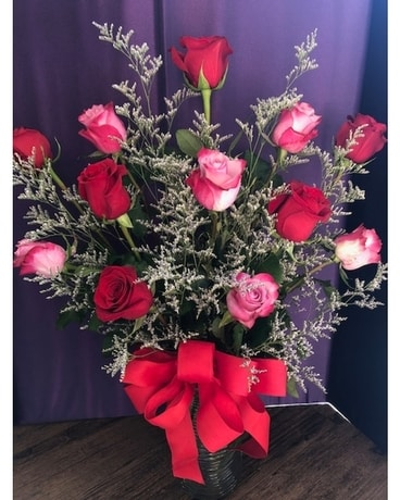 Uniquely Beautiful Roses Flower Arrangement