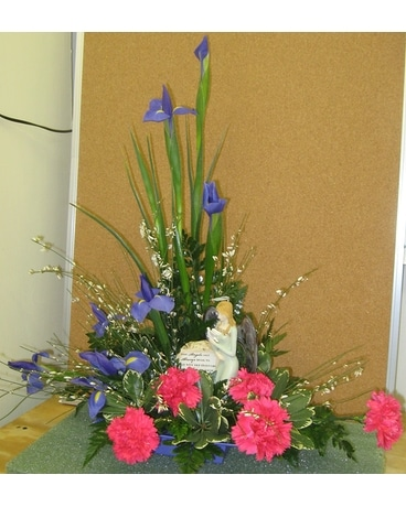 Angels in the springtime Flower Arrangement