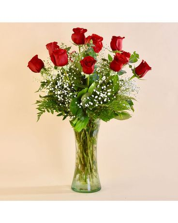 McShan Traditional 12 Red Roses