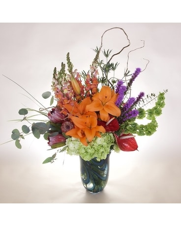 McShan Taylor Bouquet Flower Arrangement