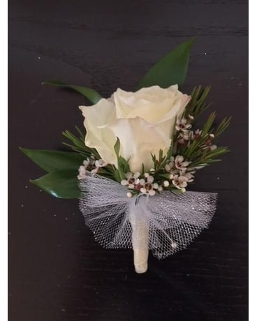 White and Sleek Boutonniere